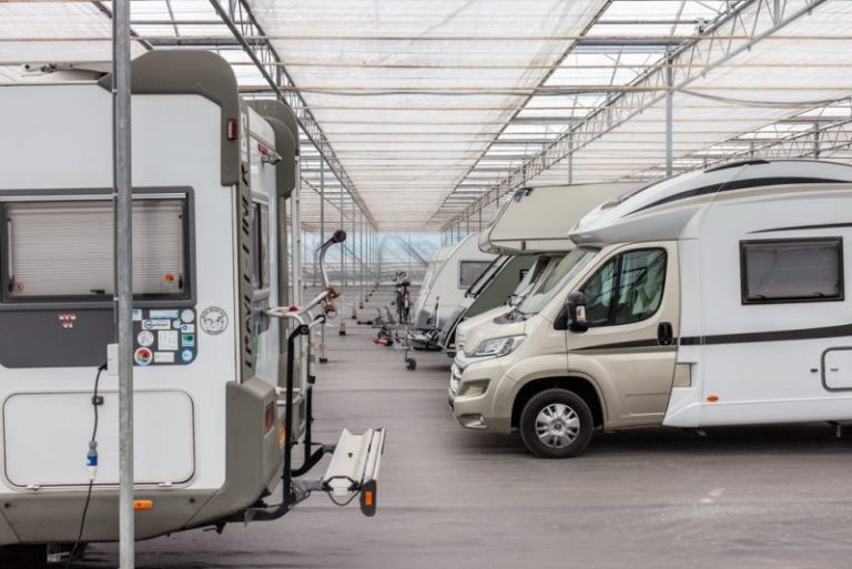 Caravanstalling_Elshout